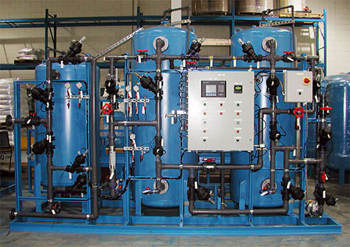 ویژگیها و عملکرد سیستم دیونایزر در تولید آب بدون یون